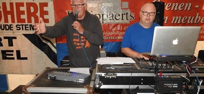 De podiumfoto's van de oldtimers te Broechem!