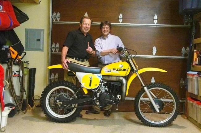 Crossmotoren Roger De Coster verhuizen naar Terry Good's museum!