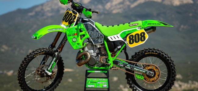 VIDEO: Spectaculaire rebuild van een KX500
