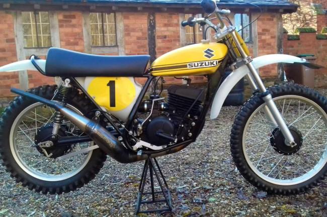 De Suzuki RN72 van Roger De Coster