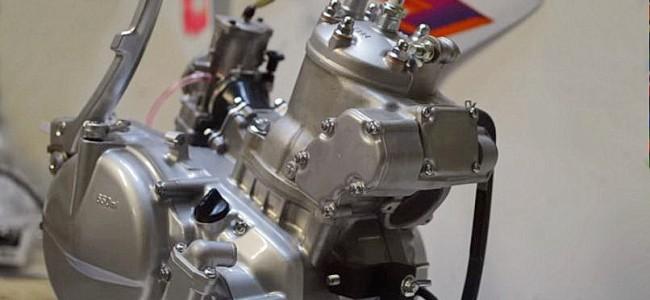 VIDEO: De restauratie van een RM250. Montage van de motor.