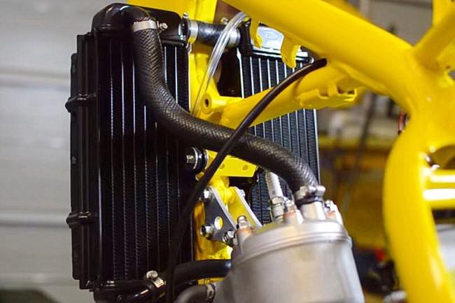 VIDEO: De restauratie van een RM250. Aandacht voor het koelsysteem.