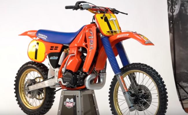 VIDEO: Dave Thorpe over zijn Honda RC500 van 1986