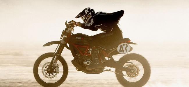 VIDEO: Ducati Desert Sled in iconische off-road race!