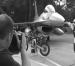 VIDEO: F16's, Queens of the Stone Age en motorcross