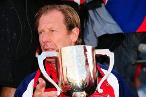 Roger De Coster met de Chamberlain Trophy Foto: racerxonline.com